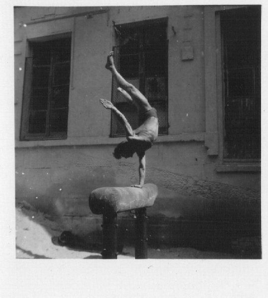 My-one-hand-stand-1948